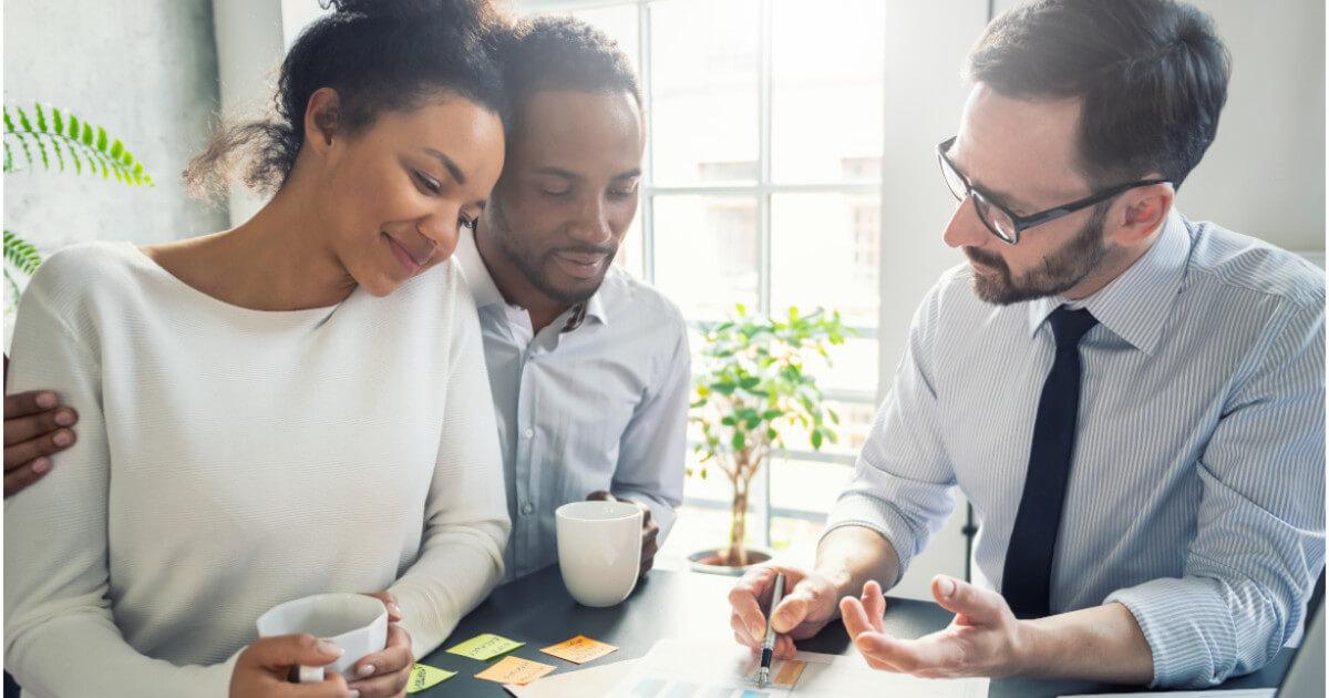 Warum Versicherungsmaklern ein souveräner Online-Auftritt nur mit einer klaren, digitalen Positionierung gelingt
